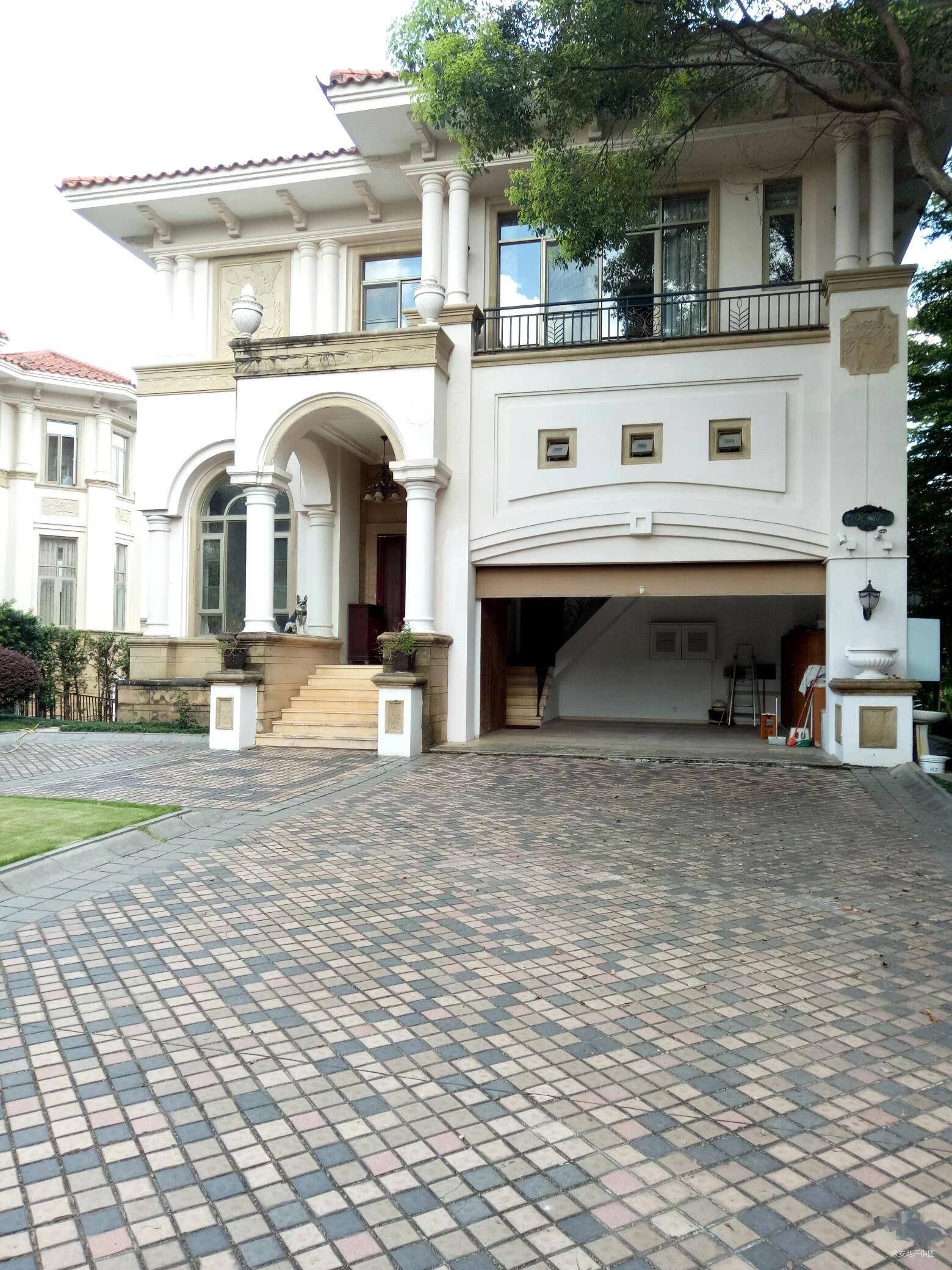 芬兰别墅独栋产权,一本证,拎包高尔夫房价,奢华装修一线即住别墅深圳景观图片