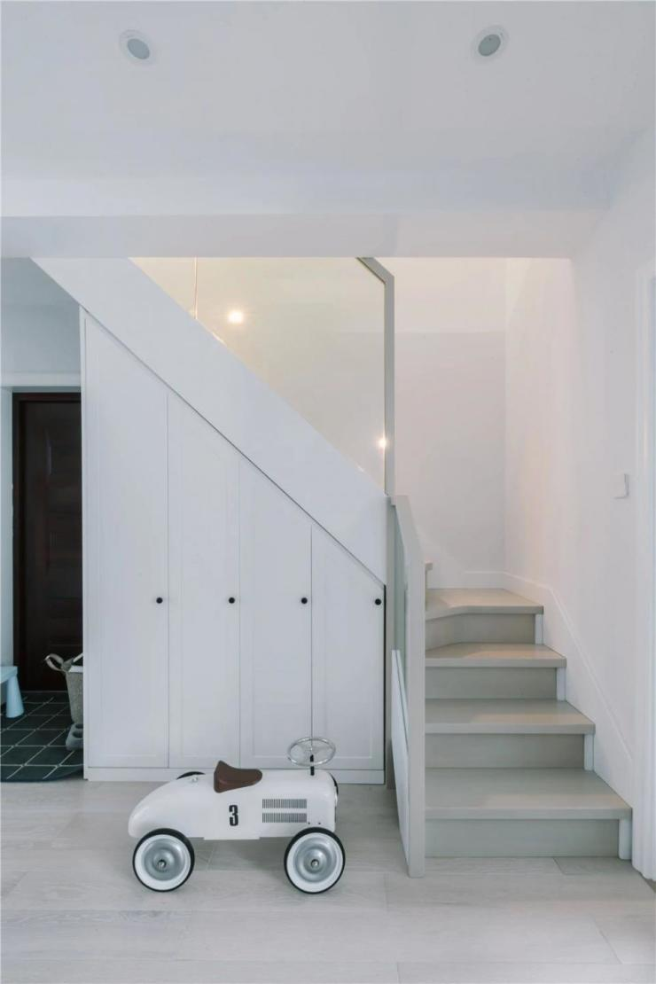 复式洋房画龙点睛之楼梯设计-各种风格楼梯效果图大全