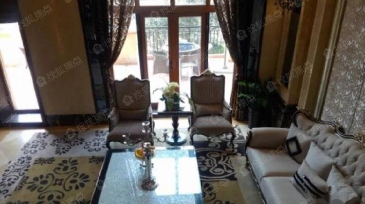 别墅群金沙湖万湖泊环绕弧形本无差额税送花园别墅有房梯设计图图片