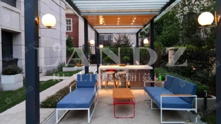 300平花园,60平下沉庭院,二次设计装修,南北东三面花园