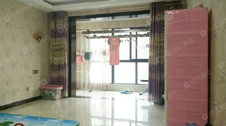 曲江风景线 公园小区 三室 送品牌家具家电 学区指标未用