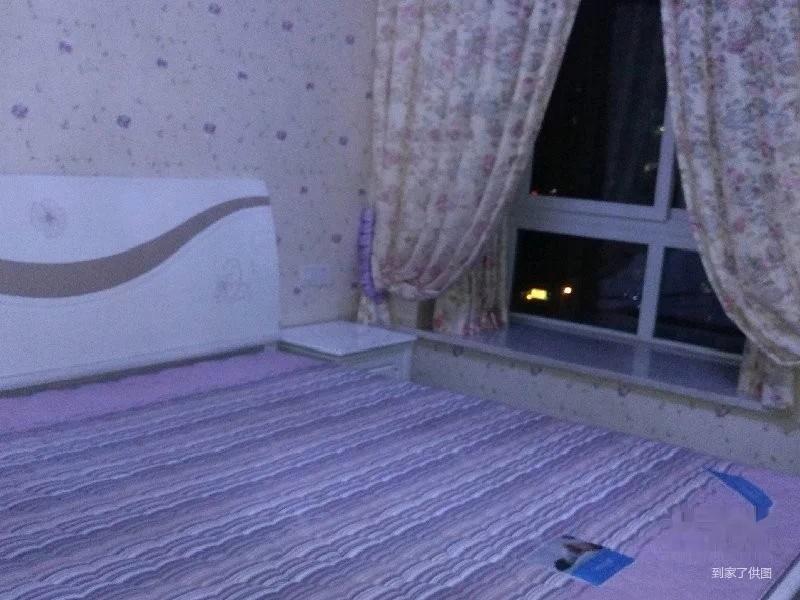 盘龙商圈 云湖绿岛品质小区精装两房带外阳台,家电齐全,朝湖!