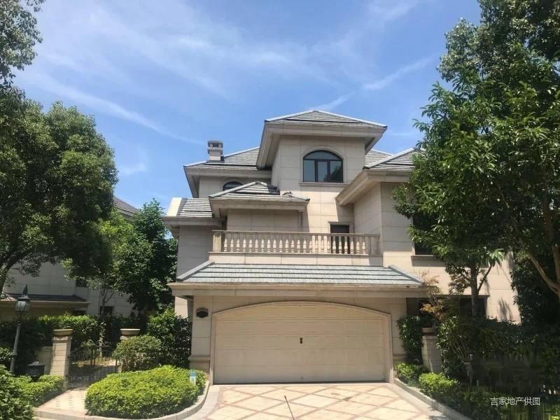 保利十二橡树旁长岛别墅仅售1150万,面积580平,上下四