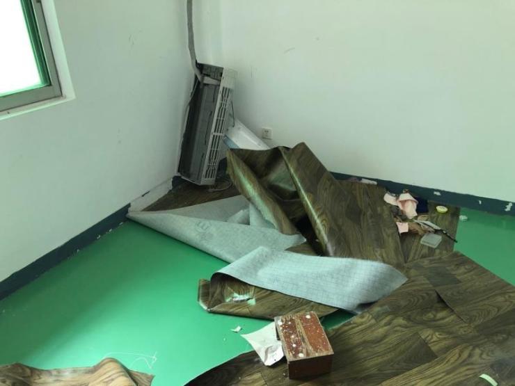 """退租后损毁财物 在墙上写""""恶毒房东"""":女租客被行政拘留"""