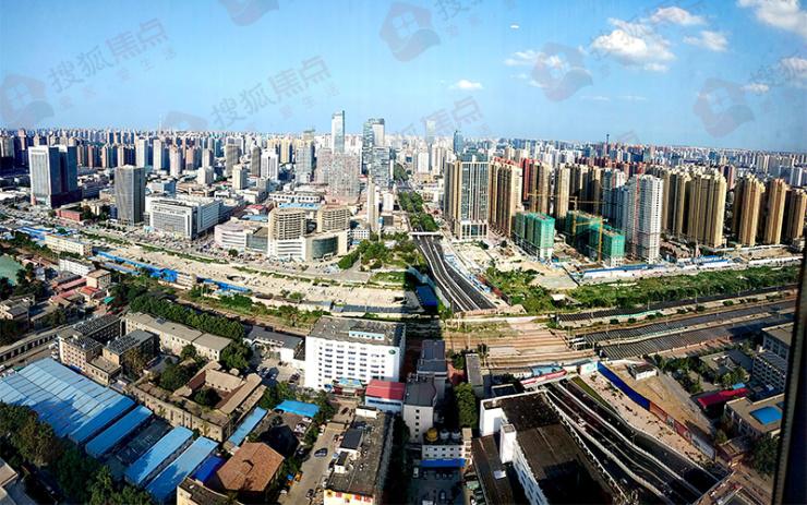市委書記邢國輝:高質量、高效率推進中央商務區建設