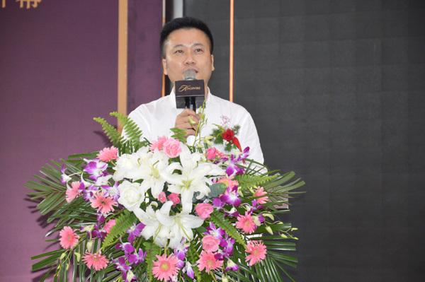 热烈祝贺KINGSWERE汀斯维尔旗舰店正式入驻郑州
