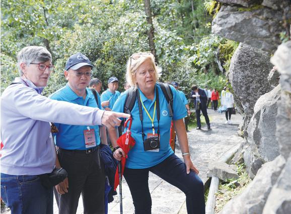 大理苍山世界地质公园再评估汇报会举行