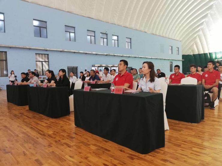 冠军荣耀 华中·随峰奔跑篮球俱乐部正式成立