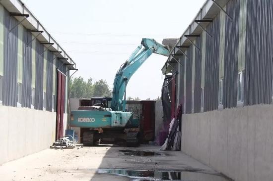 霸州组织开展集中拆除违法用地行动