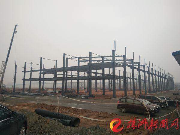 全球首条智轨快线春节运营园区已开工项目102个