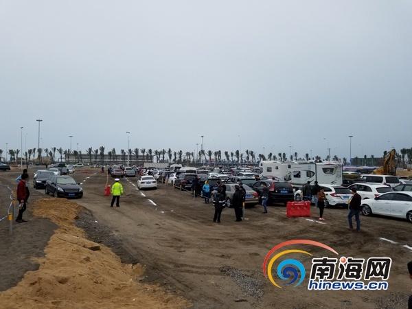 海口新海港3万平米应急停车场投入使用 将继续扩建