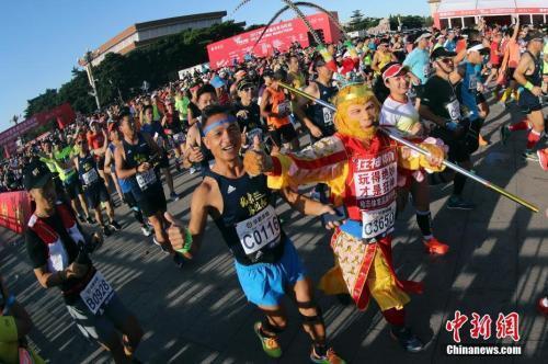 2018北京马拉松倒计时1个月 完赛奖牌正式出炉