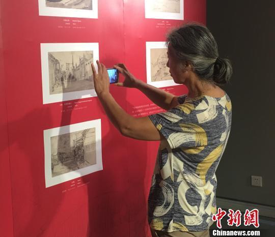 """白俄罗斯战地画家""""眼中的战争""""专题展在华首次展出"""