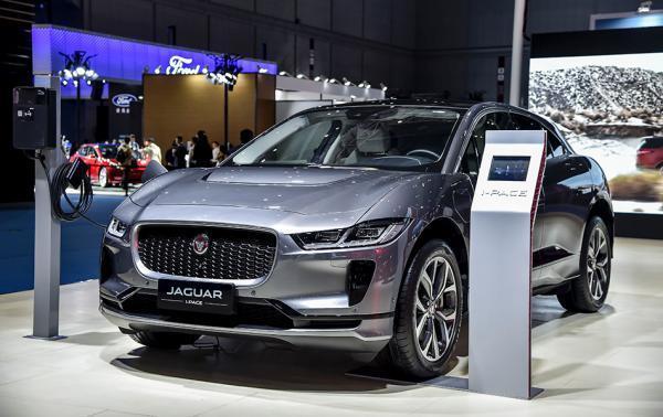 捷豹路虎带来了首款纯电动轿跑SUV,已确认明年还来参会