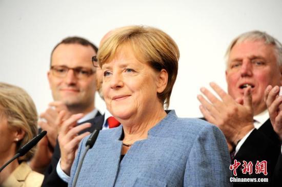 默克尔批评欧盟难民政策运转失灵 吁加强分配和遣返合作